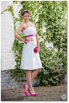 Noni - maßgeschneiderte Brautmode aus Koeln - hilde   Noni - handmade wedding dress from germany