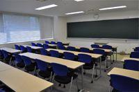 雰囲気の明るい教室