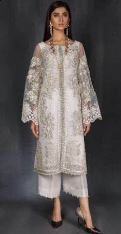 Trendy Ideas For Wedding Lengha Bridal Lehenga Anarkali Pakistani Fashion Party Wear, Pakistani Wedding Dresses, Pakistani Dress Design, Pakistani Outfits, Indian Dresses, Indian Outfits, Hijab Fashion, Indian Fashion, Fashion Dresses