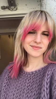 Hayley Paramore, Paramore Hayley Williams, Haley Williams Hair, Hayley Wiliams, Shaved Hair Cuts, Shes Perfect, Female Guitarist, Badass Women, Crazy Hair