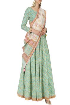 Priyanka Jain presents Blue Jaipuri print embroidered lehenga set available only at Pernia's Pop Up Shop. Indian Attire, Indian Wear, Indian Outfits, Colorful Fashion, Asian Fashion, Style Fashion, Indian Wedding Wear, Indian Bridal, Jaipuri Suits
