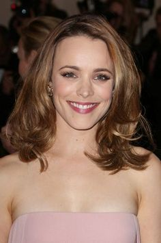 Rachel McAdams reveals was 'in awe' Lindsay Lohan in new interview Lindsay Lohan, Mean Girls, Rachel Mcadams Hair, Fine Hair Bangs, Messy Curls, Red Hair Don't Care, 2015 Hairstyles, Flawless Beauty, Without Makeup