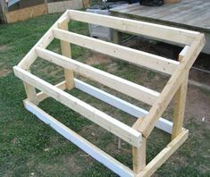 Building A DIY Chicken Coop If you've never had a flock of chickens and are considering it, then you might actually enjoy the process. It can be a lot of fun to raise chickens but good planning ahead of building your chicken coop w Portable Chicken Coop, Best Chicken Coop, Backyard Chicken Coops, Chicken Coop Plans, Building A Chicken Coop, Chickens Backyard, Chicken Tractors, Backyard Coop, Urban Chickens