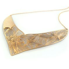 This Maasai swirl necklace is just beautiful! Isn't it heavy though?