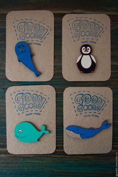 Купить Брошь деревянная Тюлень - голубой, тюлень, морской, брошь ручной работы, деревянный Projects For Kids, Art Projects, Wood Badge, Wooden Keychain, Diy Bookmarks, Shrink Art, Pin And Patches, Kids Online, Handmade Toys