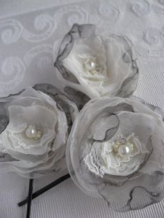 Bobbypin set of 3 Roses, grey, ivory, lace with swarovski crystals, glass pearls