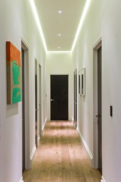 Modern Hall Design, Pictures, Remodel, Decor and Ideas – page 45 – Philip Kirwan – Bild Hallway Lamp, Hallway Wall Decor, Hallway Walls, Hallway Decorating, Corridor Lighting, Hall Lighting, Indirect Lighting, Design Hall, Corridor Design