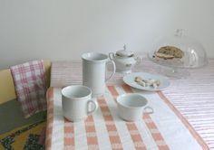 Cup Granny / Hrnek Babička,  The cups represent grannies – short, thin, tall or plump ones... Kolekce symbolizuje babičky - malé, velké, hubené, kypré…  Barbora Šimková Porcelain