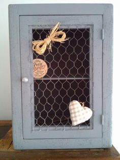1000 images about deco grillage de poule on pinterest for Grillage a poule pour meuble