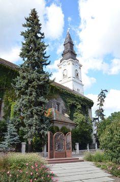 Kecskeméti Református Templom Hungary, Barcelona Cathedral, Mansions, House Styles, Building, Travel, Sign, Viajes, Buildings
