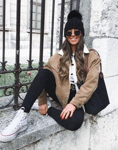 30 Winter Outfits You Can Wear To Everyday casual outfit inspiration / converse + hat + bag + black skinnies + beige jacket Outfits Otoño, Paris Outfits, Italy Outfits, Casual Winter Outfits, College Outfits, Summer Outfits, Rome Outfits, Outfit Invierno, Italy Fashion