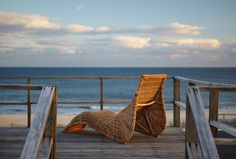 If I had a beach side view, I would put this lounge chair there haha..