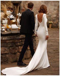 Long Wedding Dresses, Simple Wedding Dress Sleeves, Sleeved Wedding Dresses, Timeless Wedding Dresses, Wedding Dress Backless, Wedding Dress Shapes, Simple Bridal Dresses, Classy Wedding Dress, Wedding Dress Low Back