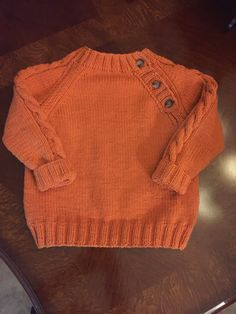 Knitting baby sweaters: cute models for your little sweethe Baby Boy Knitting Patterns, Baby Cardigan Knitting Pattern, Knitted Baby Cardigan, Knit Baby Sweaters, Boys Sweaters, Knitting For Kids, Baby Knits, Pulls, Crochet Baby