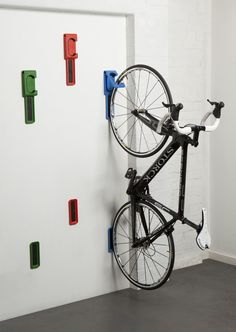 It's been beautiful biking weather in these parts, but winter weather will be rolling in in no time. If you don't have a proper place to store you bike yet, you might want to consider one of these five options. Good for small apartments where space is at a premium, these hooks are low profile and relatively easy to install.