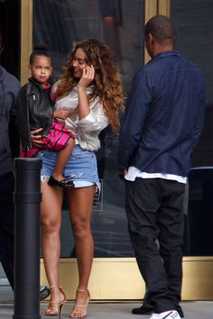 Beyoncé, Jay Z & Blue Ivy in Beverly Hills Nov. 11th, 2014