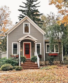 Fall in full force with this beautiful exterior.   Also some mid week sales pick up on Beckiowens.com  @lizmariegalvan