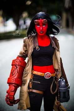 Hellboy (femme) Cosplay by GabbyLouCosplay on DeviantArt Cosplay Outfits, Cosplay Girls, Cosplay Costumes, Cosplay Ideas, Costume Ideas, Cosplay Diy, Anime Cosplay, Hellboy Costume, Gender Bend Cosplay