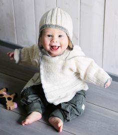 fi - Knit cardie and beanie for a baby Knit Crochet, Crochet Hats, Baby Knitting Patterns, Pre School, Winter Hats, Beanie, Baby Knits, Crocheting, Fashion