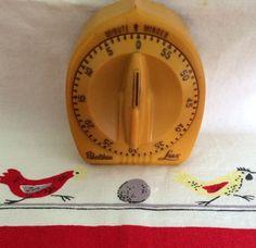 Vintage Lux Kitchen Minute Timer Rocket Shape Robert Shaw