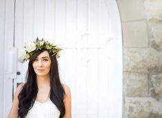 White O'hara and peach spray rose floral crown for a summertime e-session.  Flowers by Janie- Calgary Wedding Florist www.flowersbyjanie.com  Photo: Chloe Buie Photography