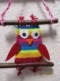 Everyone should learn knitting patterns - tutorial - handicraft - - handicraft everyone .Everyone should learn knitting patterns - tutorial - craft - - crafts any learning should knitting pattern Result for weaving elementary school Yarn Crafts, Diy And Crafts, Crafts For Kids, Arts And Crafts, Easter Crafts, Weaving Projects, Art Projects, Weaving For Kids, Art Du Fil