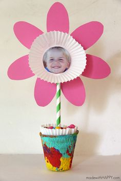 Paper Flower Kids Craft   Cute Picture and Free Printable Flower Craft   Perfect Mother's Day Kids Craft   Spring Flower Kids Craft   www.madewithHAPPY.com