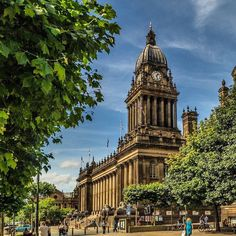From our friends at Leeds  @universityofleeds - On Tuesday September 7th 1858 Queen Victoria attended the official opening of Leeds Town Hall. It's now used for concerts performances and civic events. #leedsinsummer #leedsuniversity #leedsuni #universityofleeds #uniofleeds #leedslife #leedsthroughalens #discoverleeds #leeds #igersleeds #leedswelcome #iloveleeds #leedsarchitecture #weareinternational #goviewyou