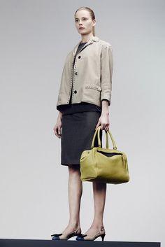 Bottega Veneta Pre-Fall 2014 Fashion Show Josephine Le Tutour, Tilda Lindstam, Review Fashion, Vogue Australia, Fashion Show, Fashion Design, Runway Fashion, Bottega Veneta, Yorkie