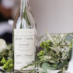 Hochzeitsmenü auf glasflasche für ein styled shoot für @sagjaimsalzkammergut Fot Wine, Post, Blog, Drinks, Bottle, Wedding, Instagram, Photos, Paper Mill