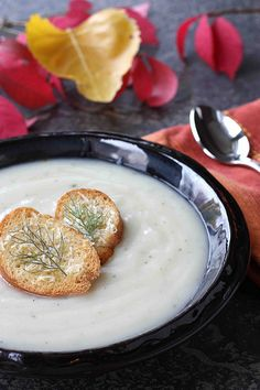 Spicy Potato & Fennel Soup Recipe with Parmesan Bagel Croutons - Cookin Canuck Fennel Recipes, Healthy Soup Recipes, Vegetarian Recipes, Easy Recipes, Healthy Food, Healthy Eating, Fennel Soup, Weird Food, Crazy Food