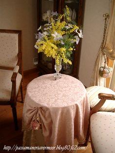 トップクロスにキータッセルを飾りました***「Chez Mimosa シェ ミモザ」   ~Tassel&Fringe&Soft furnishingのある暮らし  ~   フランスやイタリアのタッセル・フリンジ・  ファブリック・小家具などのソフトファニッシングで  、暮らしを彩りましょう     http://passamaneriavermeer.blog80.fc2.com/
