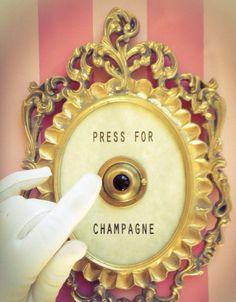 Champagne Saturday's in salon
