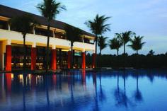 Pool   © Alila Hotels and Resorts