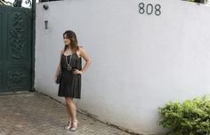 vestido-plissado-dourado-sandalia-prata-maxi-colar-drops-das-dez-laina-laine-1