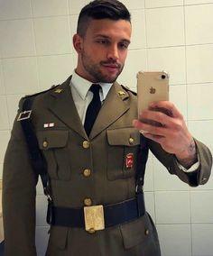 What I lust for, men with muscles! Sexy Military Men, Hot Cops, Hommes Sexy, Men In Uniform, Attractive Men, Good Looking Men, Stylish Men, Bearded Men, Gorgeous Men