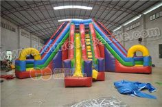 GS-123 3 LANE WACKY SLIDE Size meter:7.3mLx7.3mWx4.8mH Size feet: 24ftLx24ftWx16ftH #3lanewackyslide #inflatableslide