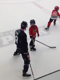 toews + little guys...excuse me while I go collect whats left of my ovaries.