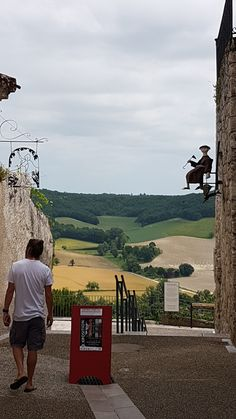 Not sure if I explained very well where I was actually staying. I am in the Tarn et Garonne in the South West of France actually on the edge of the lot et garonne. Close to Bourg de visa top … Visa, Very Well, Africa, France, Adventure, Chic, Blog, Travel, Shabby Chic