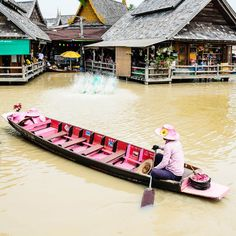 PATTAYA FLOATING MARKET. Visiting the country's famous market is the best way to truly see the daily life of a local. #Pattaya #Thailand #Market