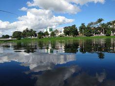 Barra do Piraí Através de Fotos - Imagem refletida nas águas do Rio Paraíba do Sul - Centro de Barra do Piraí - 1° de maio de 2017 - Foto de Barra do Piraí, RJ - Por Vicente Siqueira