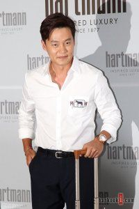 Lee Seo-jin (이서진), Korean Actor , Male, 1973/01/30,  find Lee Seo-jin (이서진) filmography, dramas, movies, films, pictures, latest news, community, forums, fan messages, dvds, shopping