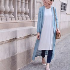Style hijab casual jeans scarfs Ideas for 2019 Hijab Fashion Summer, Modern Hijab Fashion, Hijab Fashion Inspiration, Islamic Fashion, Muslim Fashion, Modest Fashion, Fashion Outfits, Style Fashion, Modest Wear