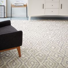 West Elm S Contemporary Rugs Come In A Variety Of Prints And Solids Choose From Modern Area Wool Hand Woven