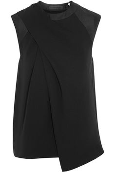 -Alexander Wang -Drapes and folds used to create strong silhouette -Black silk-crepe top Look Fashion, Fashion Details, Womens Fashion, Fashion Design, Fashion Trends, Mode Style, Style Me, Silk Crepe, Crepe Top