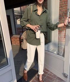 Chic Outfits, Summer Outfits, Fashion Outfits, Womens Fashion, Fashion Trends, Green Outfits For Women, Summer Weekend Outfit, Dress Summer, Winter Outfits