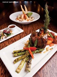 Buck and Honey's in Sun Prairie has a Posh Tavern Atmosphere - Madison Magazine - December 2011