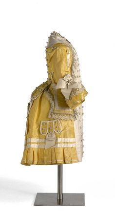 Girl's dress, 1875, Museo del Traje.