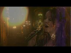 Sarah Brightman - Ave Maria. Live in Venice. Her voice is amazing, Great song.