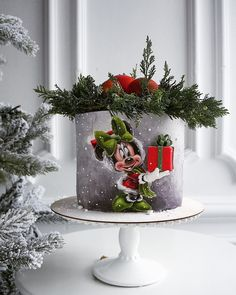 Presents: Christmas is coming Christmas or the Christ festival, the Festival of lights, the Food of peace, or the Christ. Mini Christmas Cakes, Christmas Themed Cake, Christmas Cake Designs, Christmas Cake Topper, Minnie Mouse Christmas, Holiday Cakes, Christmas Baking, Christmas Presents, Bolo Minnie